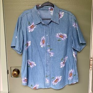 VINTAGE- denim daisy button up blouse size XL